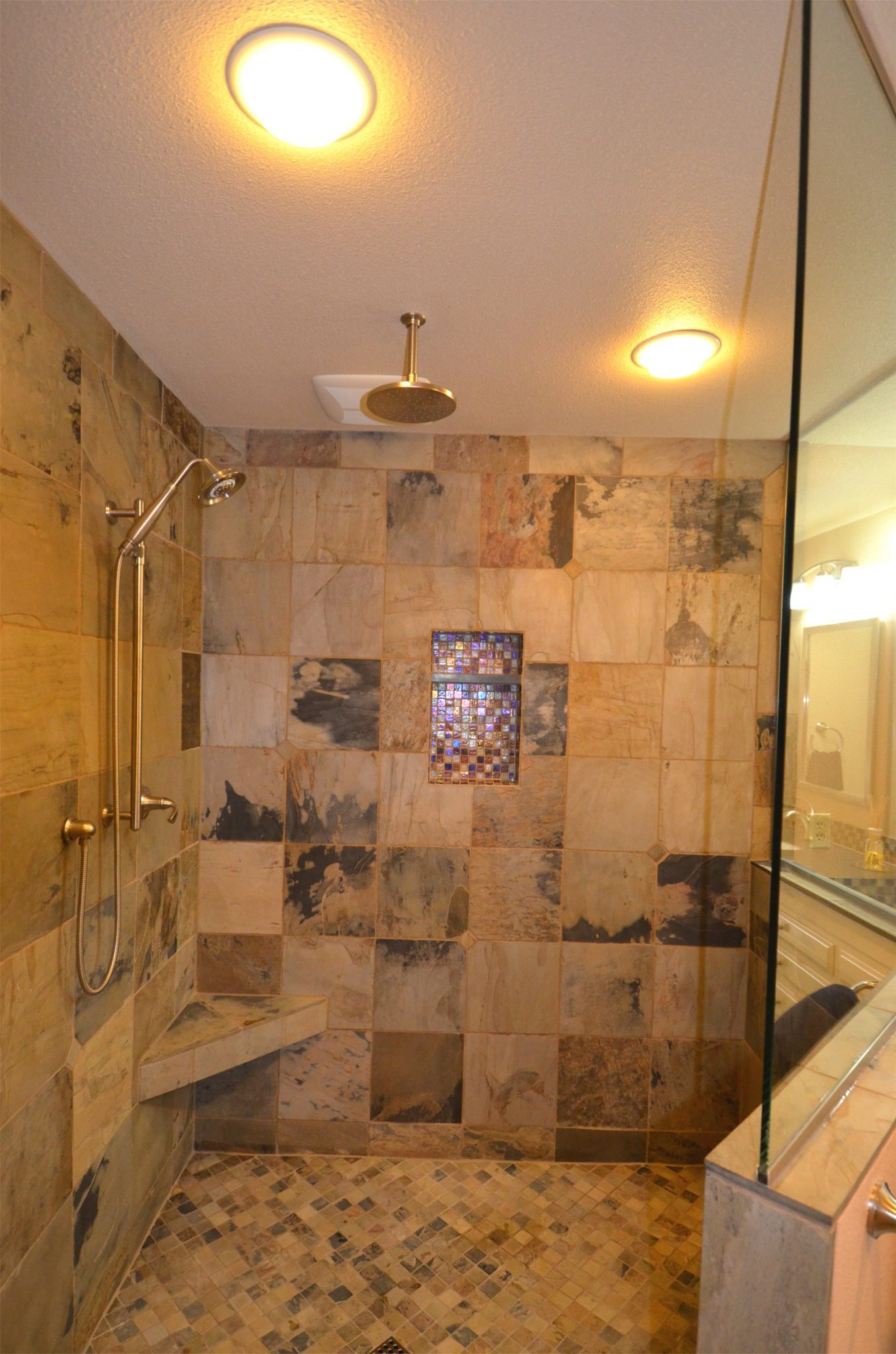 Walk in shower with rain head dale 39 s remodeling salem Walk in shower designs