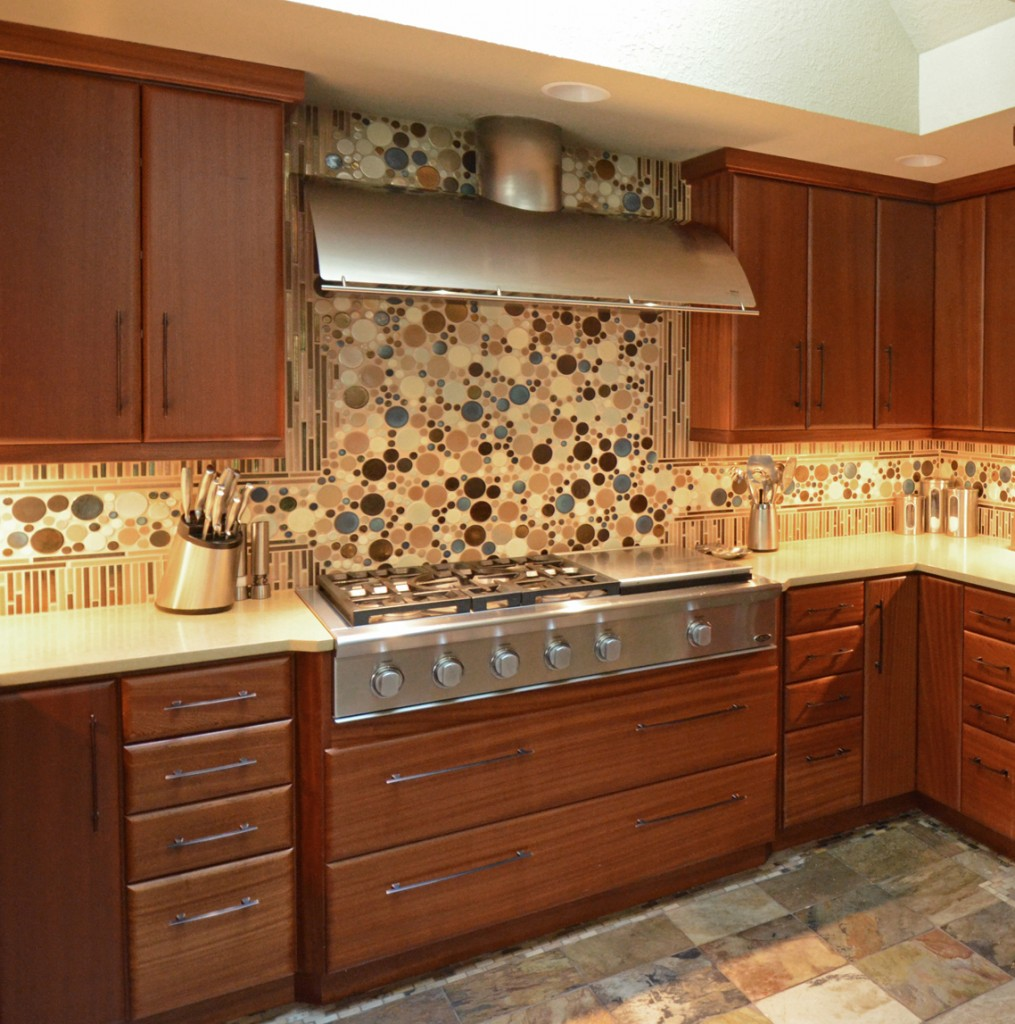tsylor backsplash1