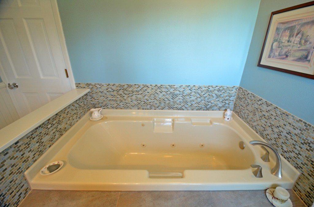 Bontrager tub