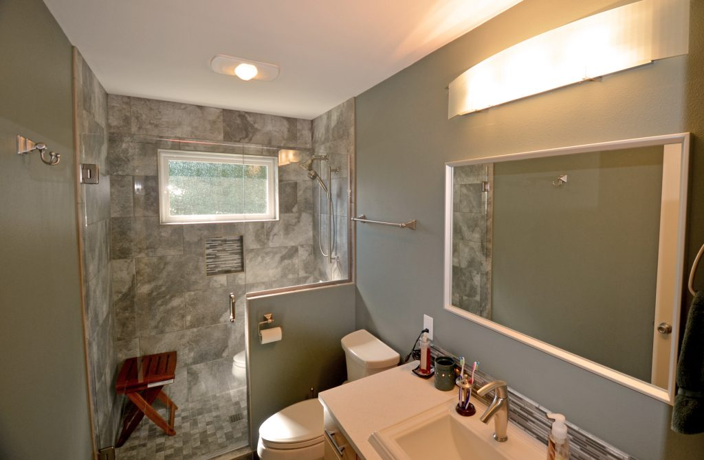 bathrooom remodel Hubbard Oregon